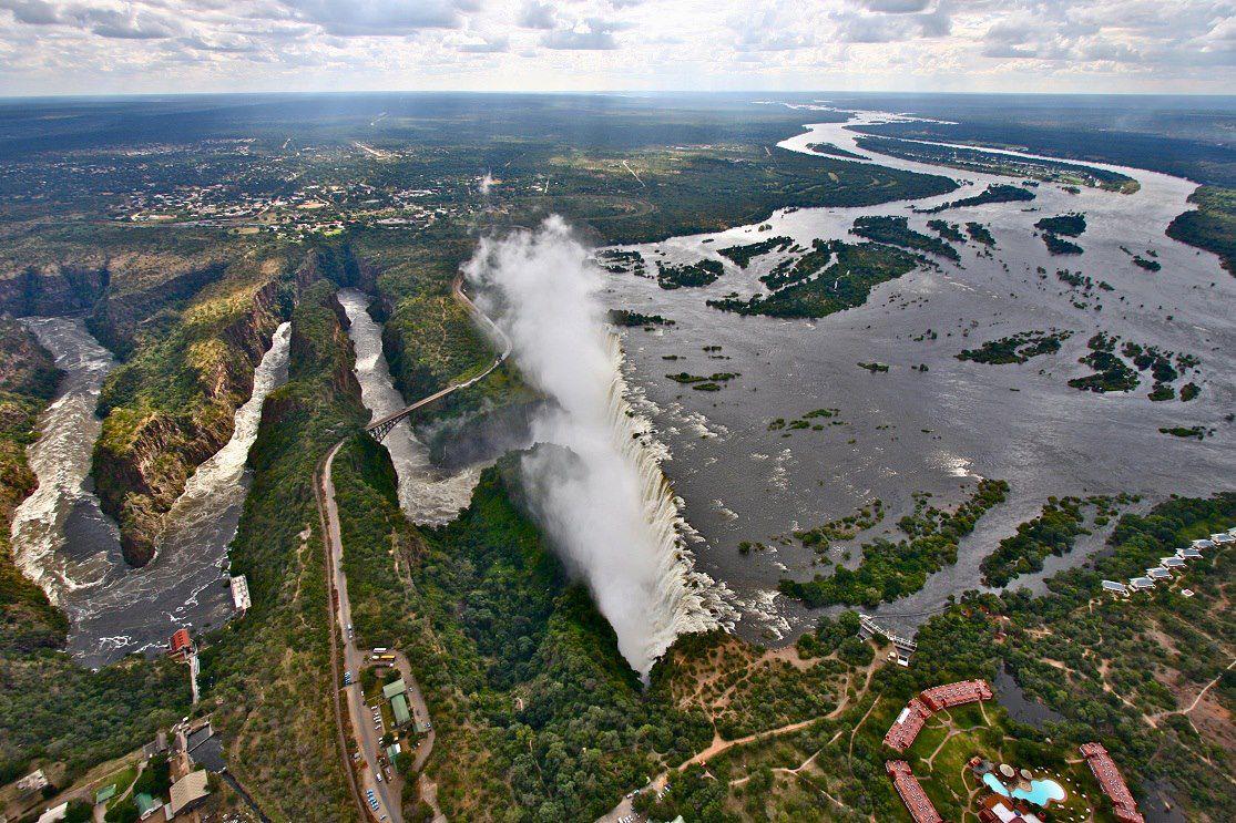 น้ำตกวิกตอเรีย Victoria Falls