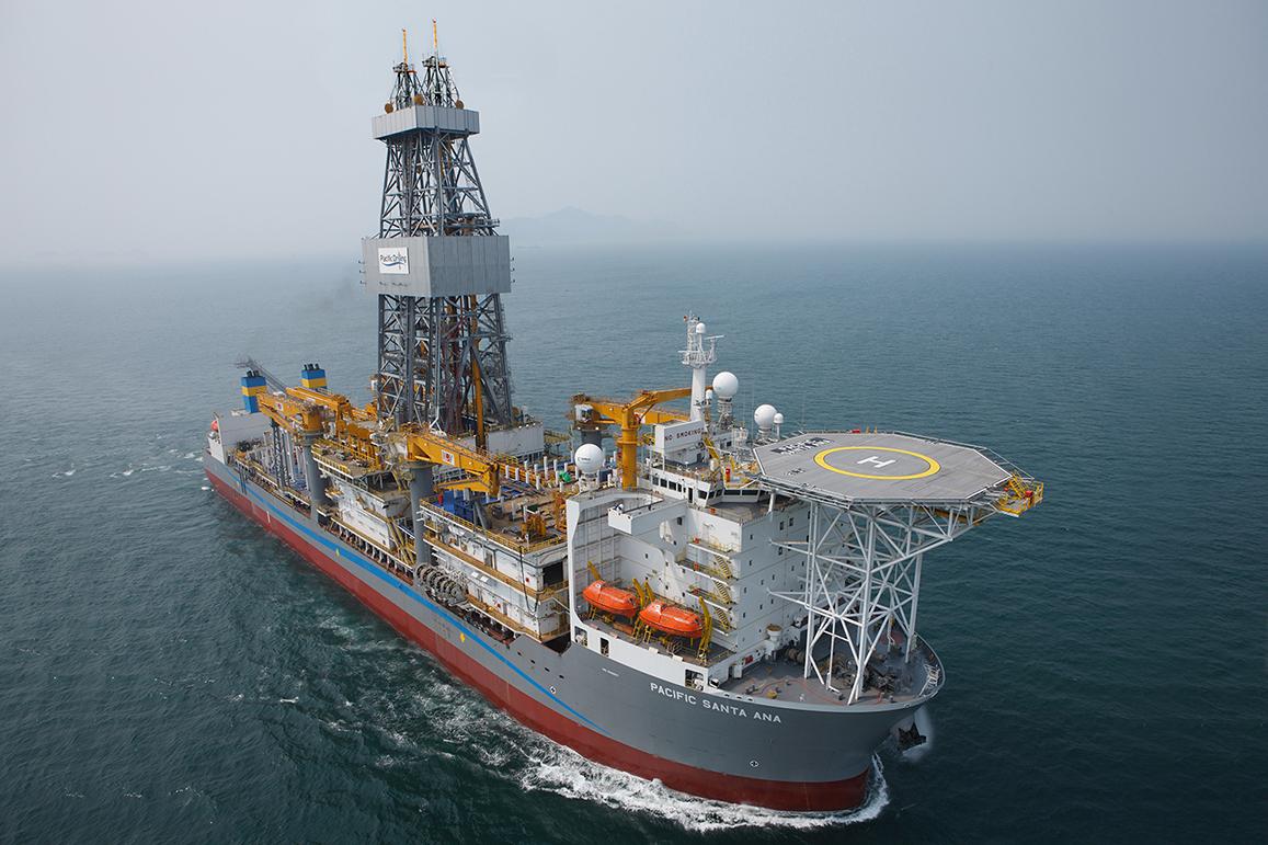 เรือขุดเจาะน้ำลึก (เครดิตภาพ drillingcontractor.org)