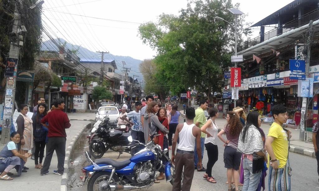 Bom-Nepal01